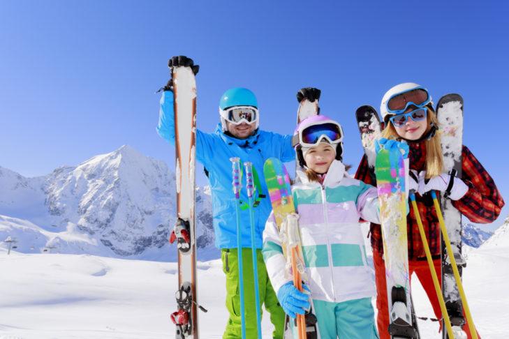 Skiurlaub mit der Familie - in familienfreundlichen Skigebieten ein großer Spaß!