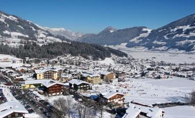 top 10 reiseziele f r weihnachten wohin in den skiurlaub. Black Bedroom Furniture Sets. Home Design Ideas