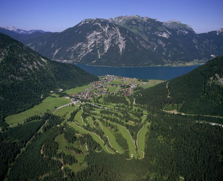 Panorama des Golf- und Landclub Achensee.