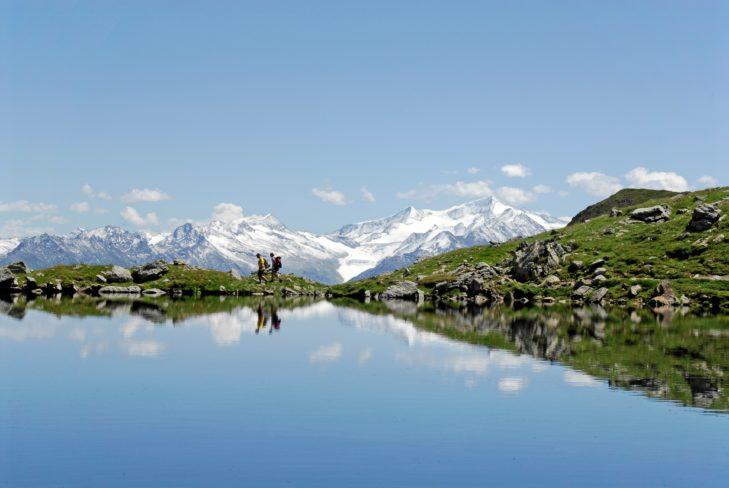 Wandern ist in den Alpen immer ein Highlight.