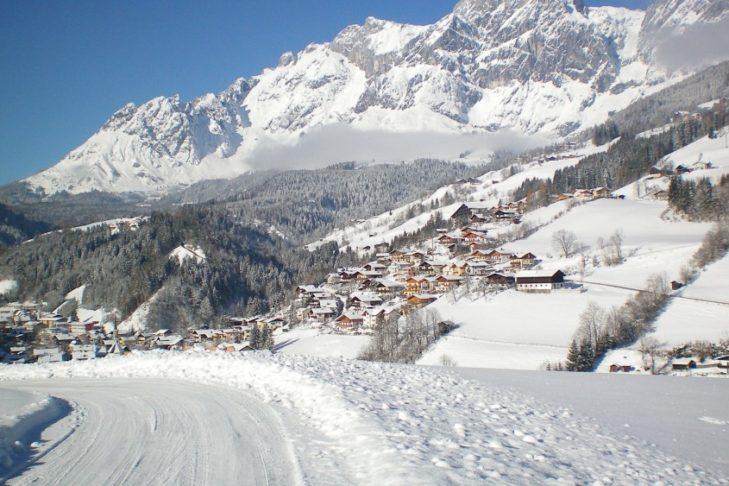 In der Skiregion Ski Amadé fährt man vor der Kulisse des Hochkönigs.