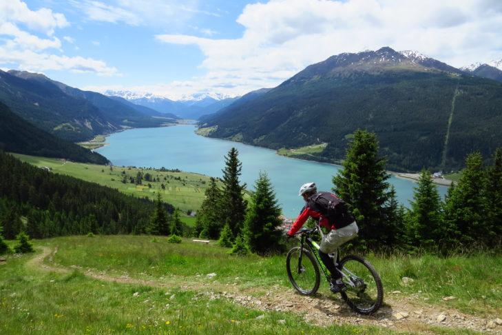Mountainbike am Reschenpass