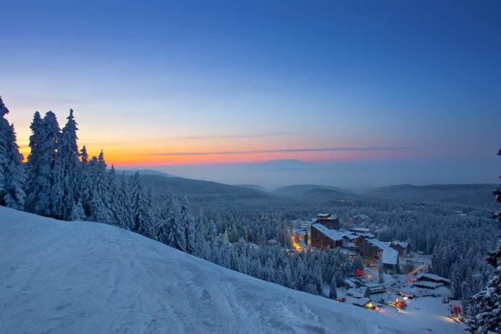 Abendstimmung in der Skistation Borovets.