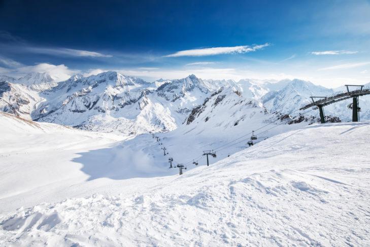 Blick auf das Skigebiet Adamello Ski.