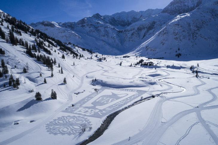 Eines der schönen Schneebilder von Simon Beck.