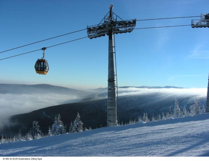 Auch im polnischen Skigebiet Bad Flinsberg kommen Familien in Sachen Skifahren voll auf ihre Kosten.