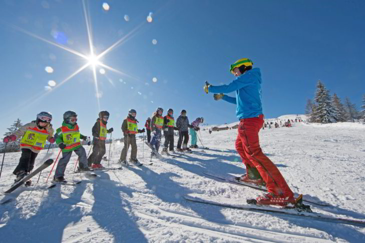 Kinderskikurs via Ski-App buchen - mit CheckYeti möglich.