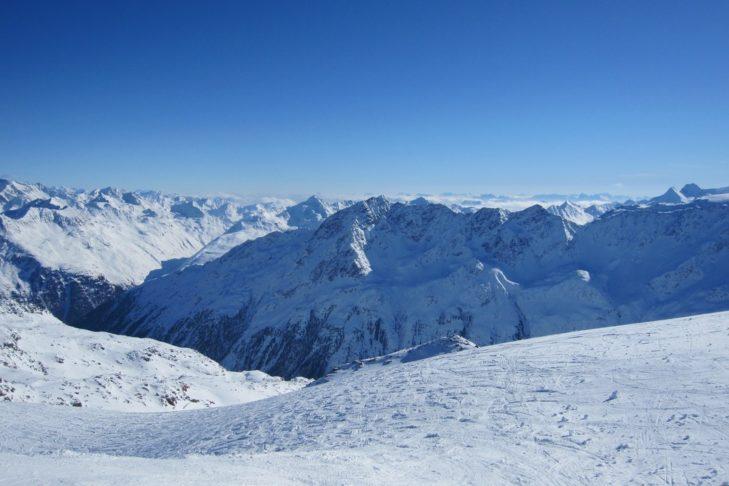 Beeindruckendes Bergpanorama im Skigebiet Sölden.
