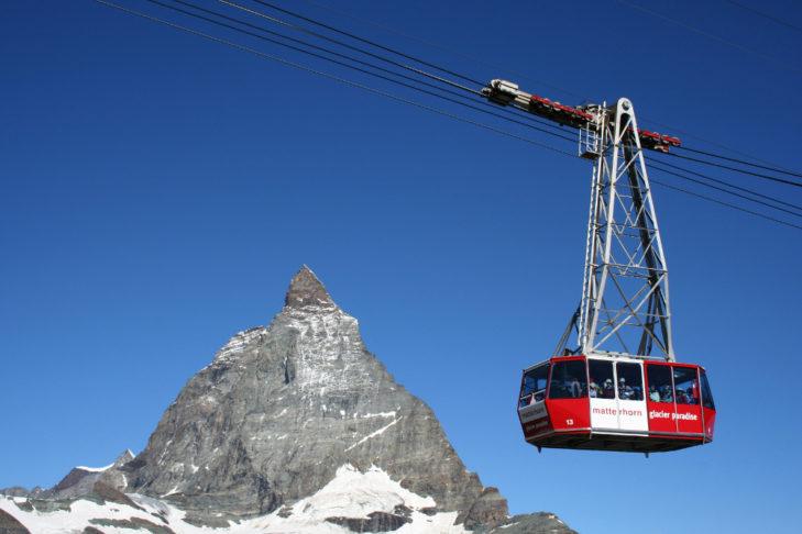 Matterhorn: Mit Luftseilbahnen geht's hoch hinaus.