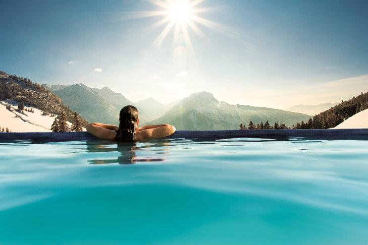 Die Wahrheit: Im Skiurlaub gibt es zahlreiche weitere Angebote für eine abwechslungsreiche Freizeitgestaltung.