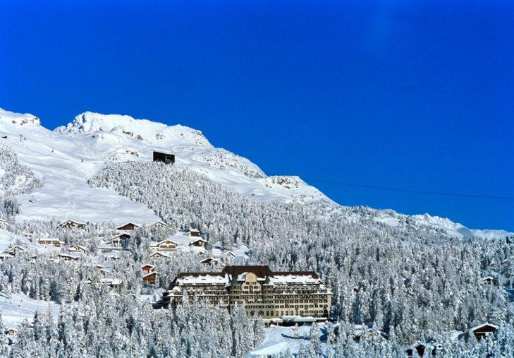 In St. Moritz stehen viele prächtige Hotels, wie etwa das Suvretta House St. Moritz.