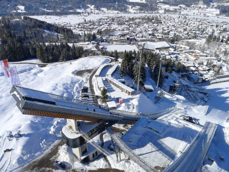 Die Schattenbergschanze in der Erdinger Arena ist 140 m hoch. © Skisport- und Veranstaltungs GmbH