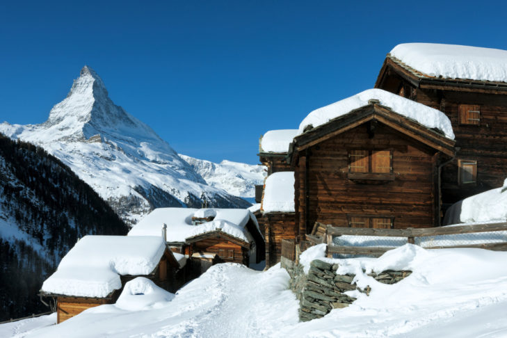 Autofreie Wintersportorte: In Zermatt am Matterhorn muss das Auto draußen bleiben.