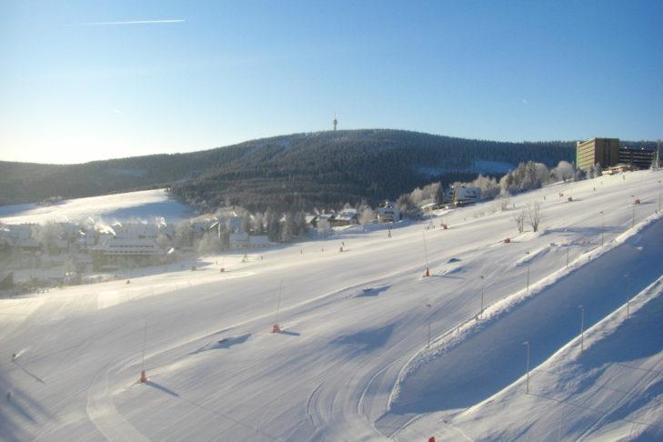Die Skiregion Fichtelberg/Klínovec ist besonders für Familien mit Kindern geeignet.