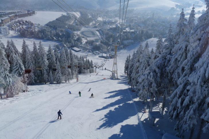 Grenzüberschreitend: Die Skiregion Fichtelberg/Klínovec.