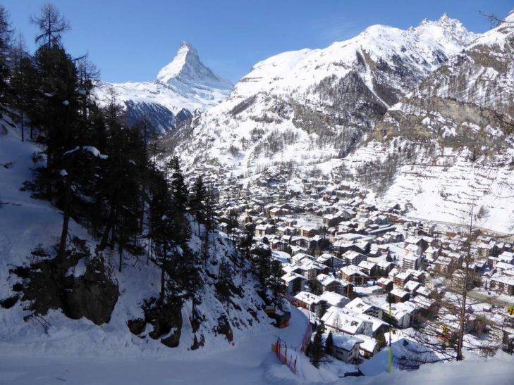 Skigebiet Zermatt: Von beinahe überall um Zermatt ist die markante Spitze des Matterhorns zu sehen.