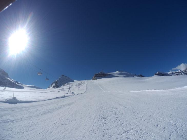 Gletscherpiste im Skigebiet Zermatt im Oktober 2016.