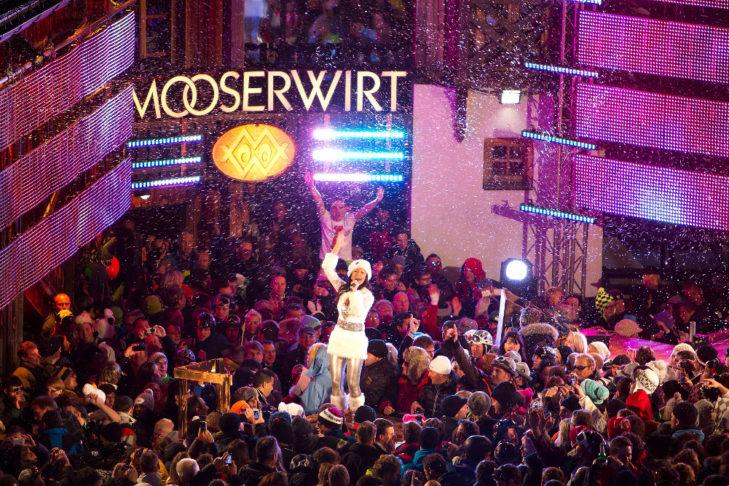 Im Mooserwirt in St. Anton kommen alle Après-Ski-Fans auf ihre Kosten.