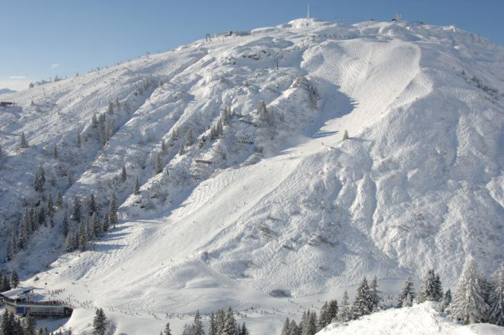 Am Arlberg fährt man genauso auf, wie neben der Piste.
