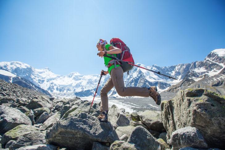 Wandern kurbelt das Herz-Kreislauf-System an und steigert die Fitness.