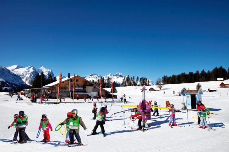 Skikarussell im Kinderland.