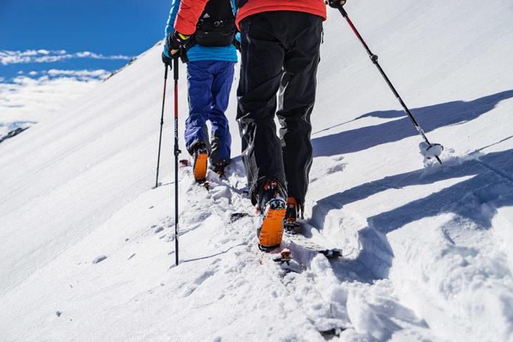 Eine leichte Bindung unterstützt den Aufstieg ungemein. © Skitourenwinter.com