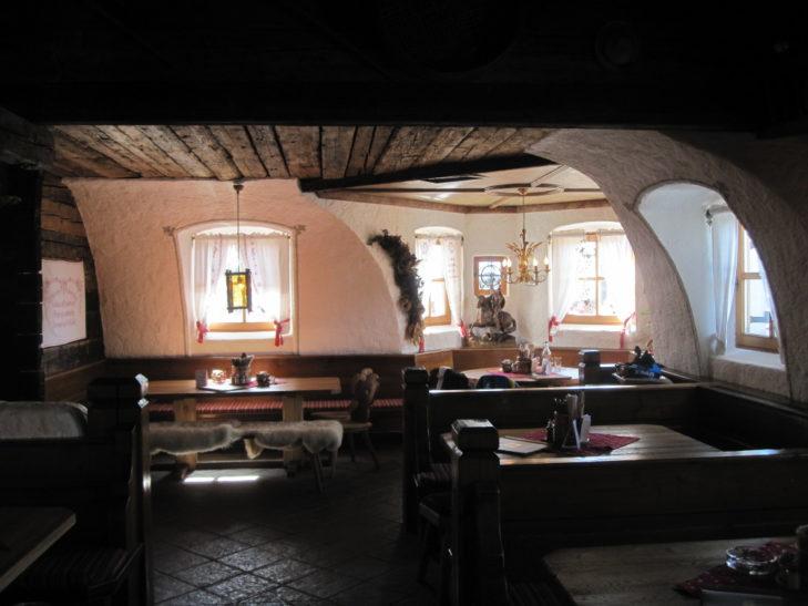 Die Wengeralm mit ihrem urig-rustikalen Interieur ist besonders gemütlich.