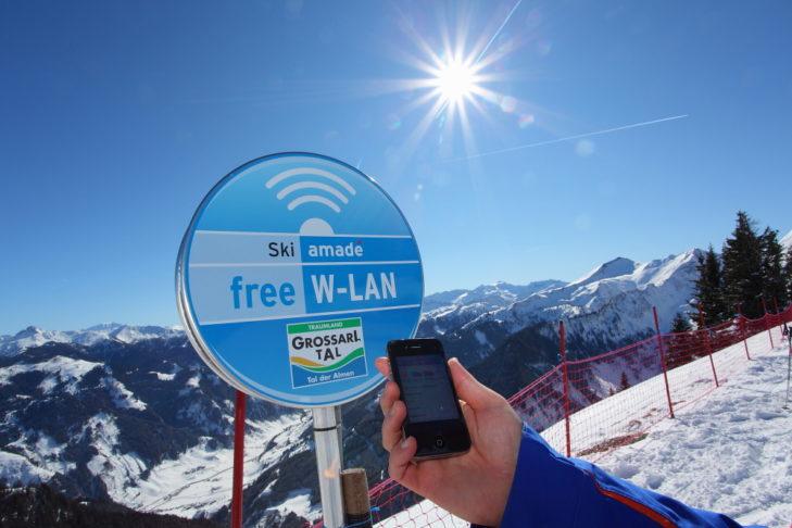 An den WLAN-Hotspots im Skigebiet kann jeder kostenlos im Internet surfen.