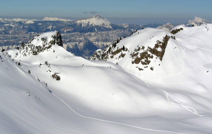 Offenes Terrain für Skitouren und Tiefschneeabfahrten.