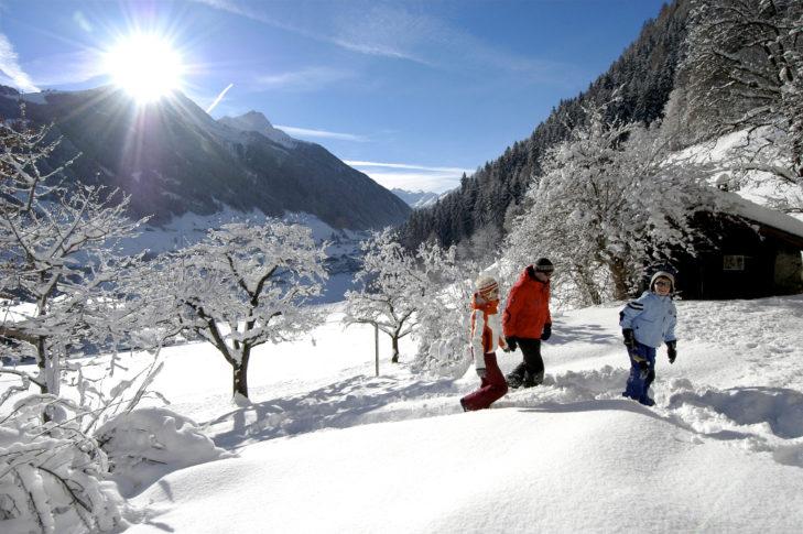 Auch Winterwandern ist im Stubaital eine helle Freude.