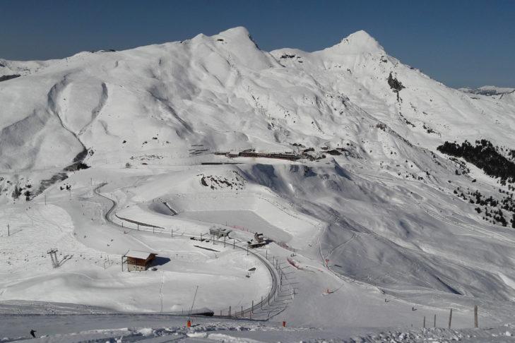 Schneereiche Aussichten im Skigebiet von Grindelwald.