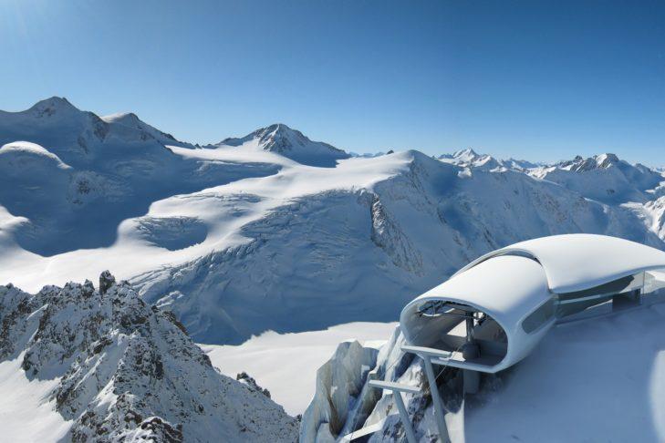 Bergstation der Wildspitzbahn am Pitztaler Gletscher.
