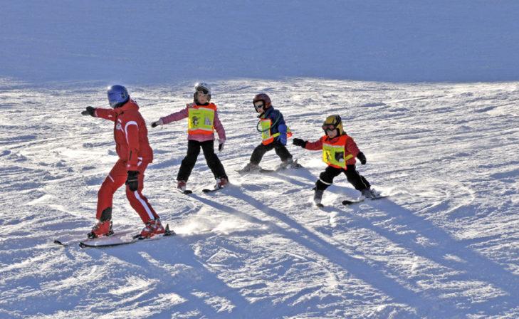 Früh übt sich: Dank der örtlichen Skischulen wird Lernen leicht gemacht.