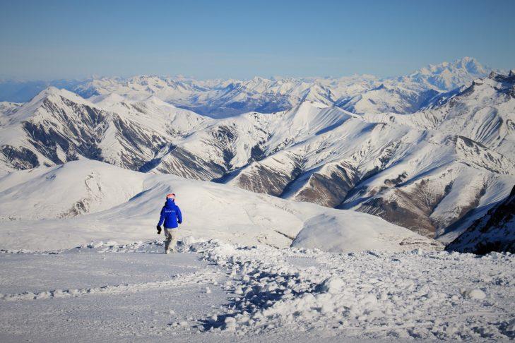 Gipfelmeer-Panorama im Skigebiet von Les 2 Alpes.