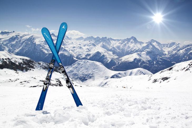 Allround-Carver und Allmountain-Ski sind die Klassiker unter den Skimodellen.