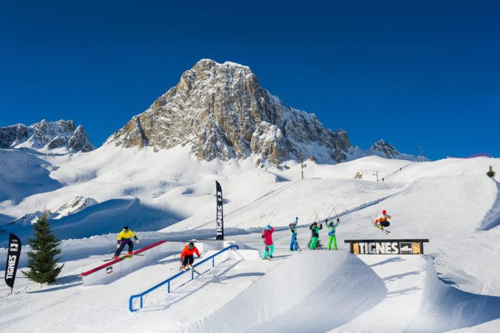 Gepflegte Snowparks und vielseitige Funareas bieten tolle Spielwiesen für Freestyler.