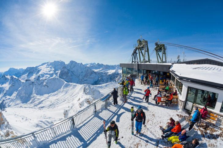 Von nahezu jeder Bergstation im Fassatal eröffnet sich ein Traumpanorama.