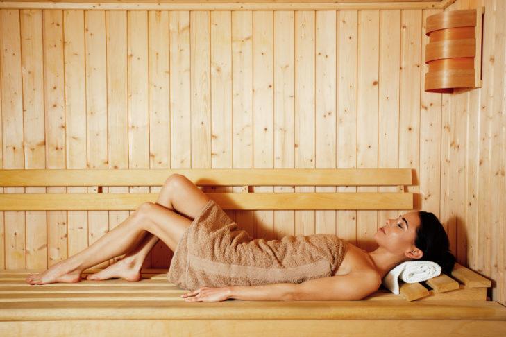 Ein Saunagang nach dem Skitag entspannt die müden Muskeln.