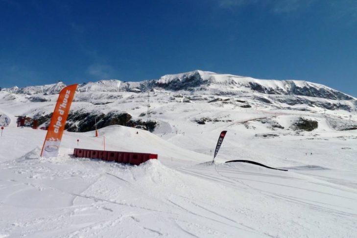 Auf Freerider wartet in Alpe d'Huez ein Snowpark.