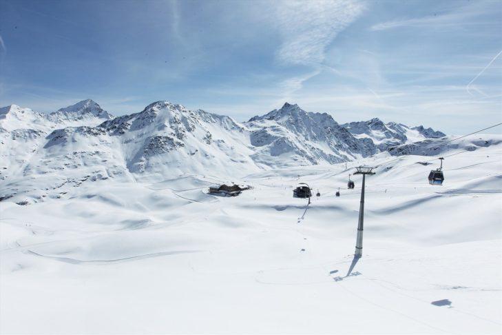 Der höchste Punkt des Skigebiets Bormio-Cima Bianca liegt auf 3.016 m Höhe.