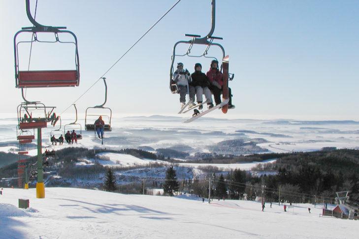 Das Skigebiet Černý Důl eignet sich besonders für Familien.