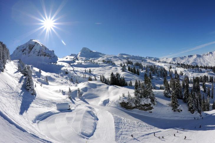Die Sonne scheint oft über dem Skigebiet Châtel.