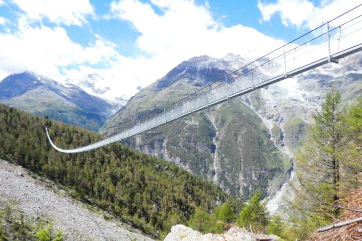 Nur für Schwindelfreie: Die Charles Kuonen Hängebrücke.