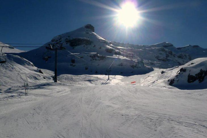 Perfekter Sonnentag im Skigebiet Grand Massif.