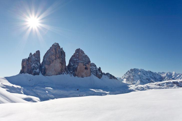 Das Panorama im Skigebiet Drei Zinnen Dolomiten ist traumhaft.