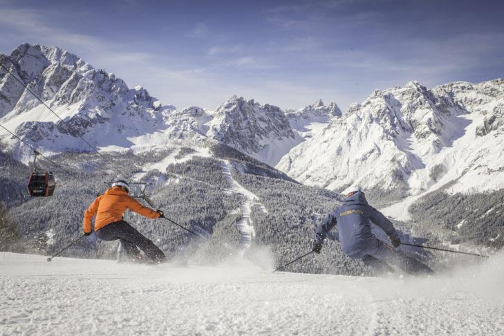 Pistenspaß im Skigebiet Drei Zinnen Dolomiten.