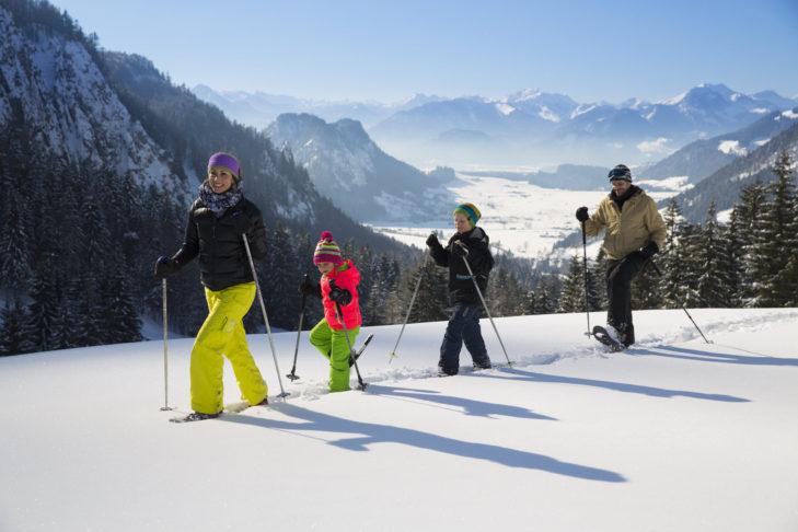 Schneeschuhwanderung mit der ganzen Familie im Kaiserwinkl.
