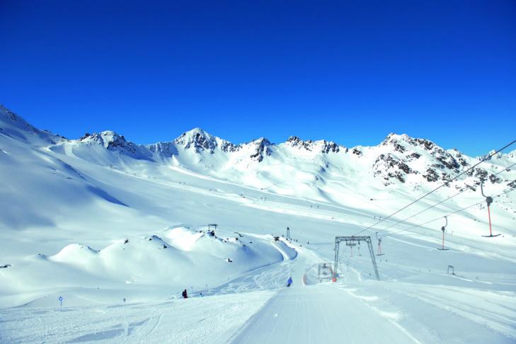 Herrlich breite Gletscherpisten am Kaunertaler Gletscher.