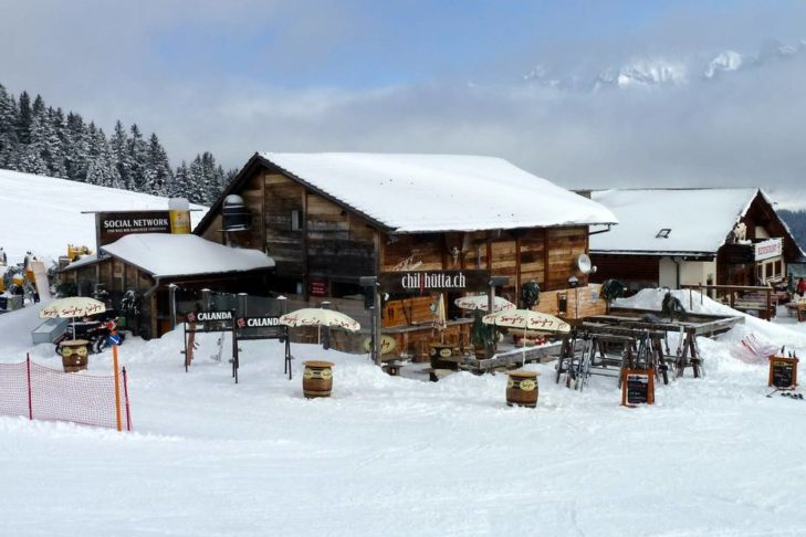 Die Ruhe vor dem (Party-)Sturm an der Chilihütta im Skigebiet von Lenzerheide.