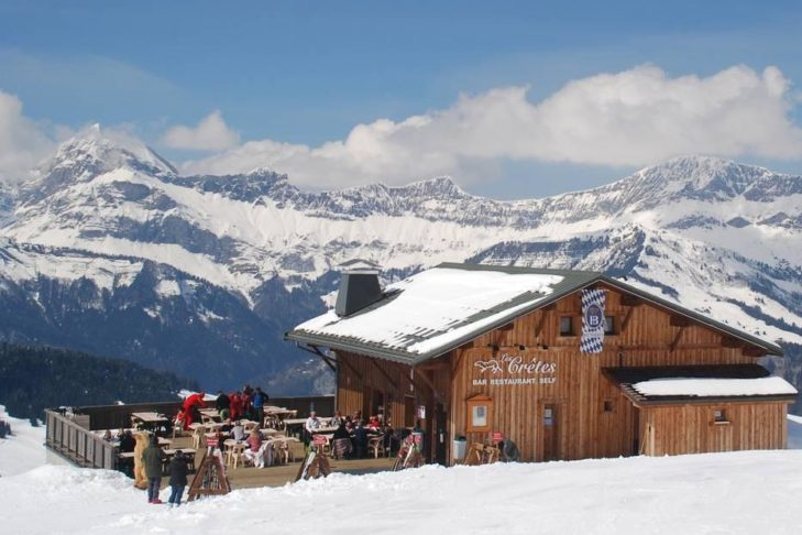 Einkehr mit Blick auf die Savoyer Alpen.